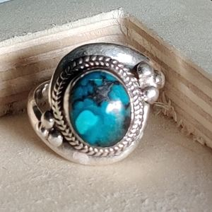 Vintage sterling turquoise stone ring